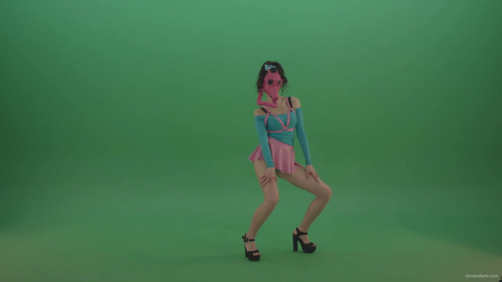 vj video background Rave-Go-Go-Dancing-girl-in-gas-mask-play-on-Green-Screen-4K-Video-Footage-rmnj1b-1920_003